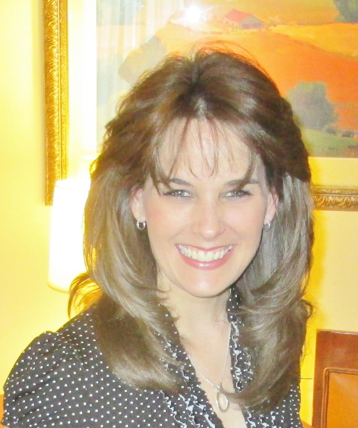 Annette McDermott, Escritora