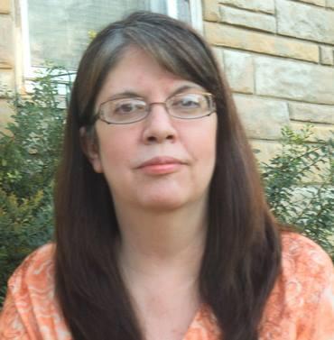 Kelly Roper, Escritora
