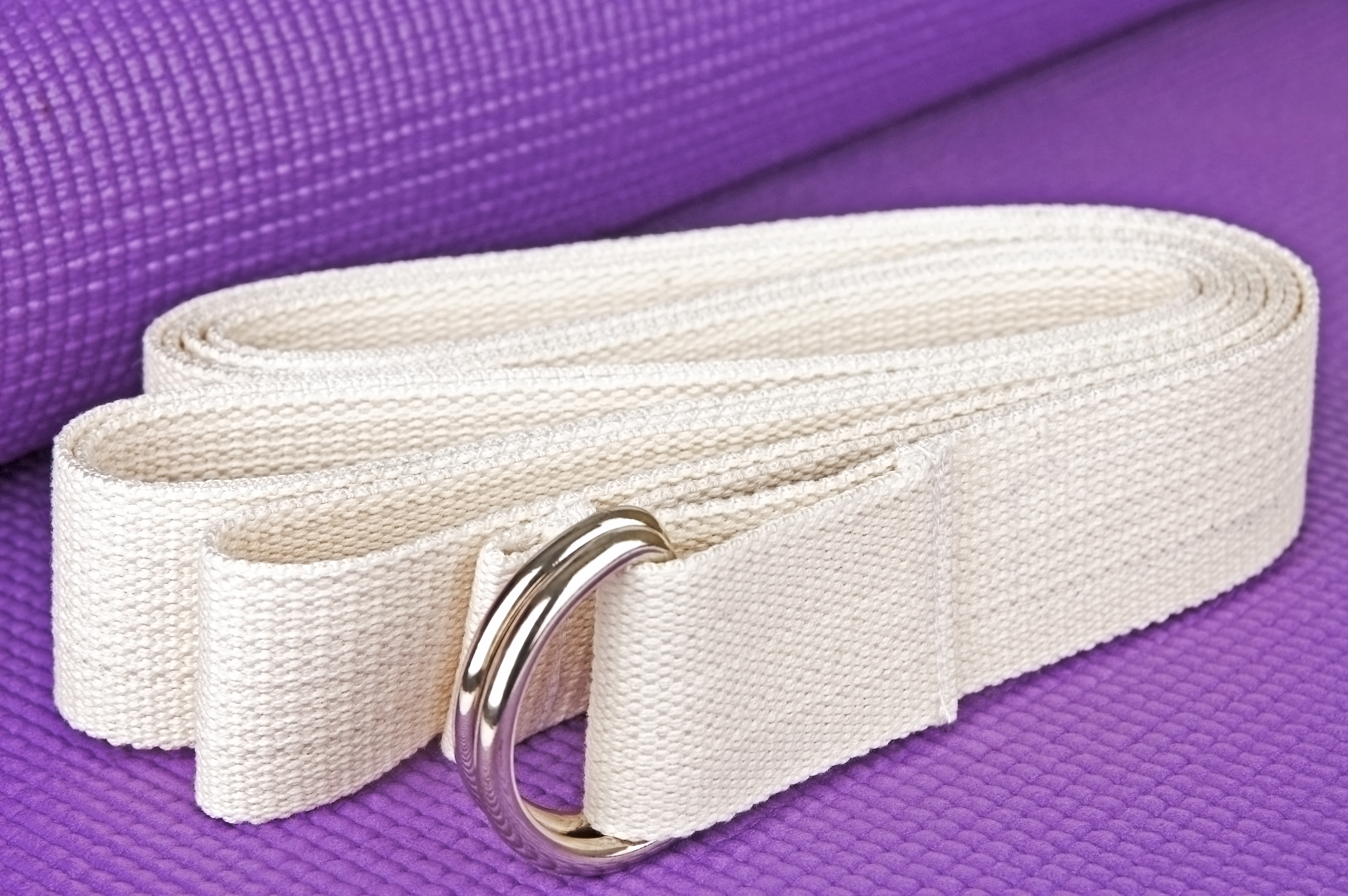 How To Use A Yoga Strap To Carry Your Mat Lovetoknow