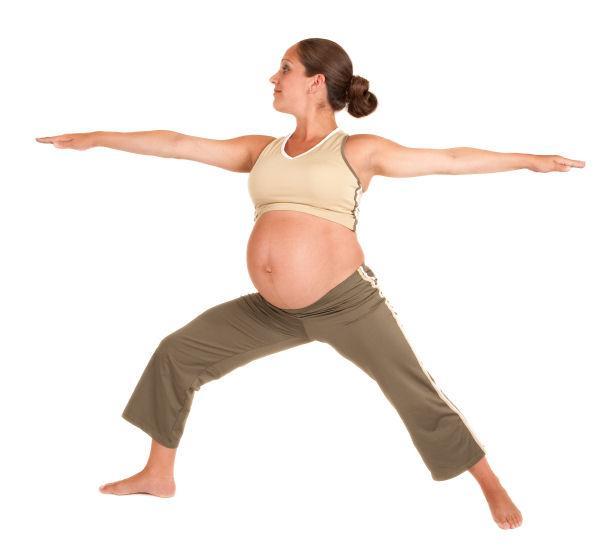 https://cf.ltkcdn.net/yoga/images/slide/122094-616x550-pwarrior.jpg