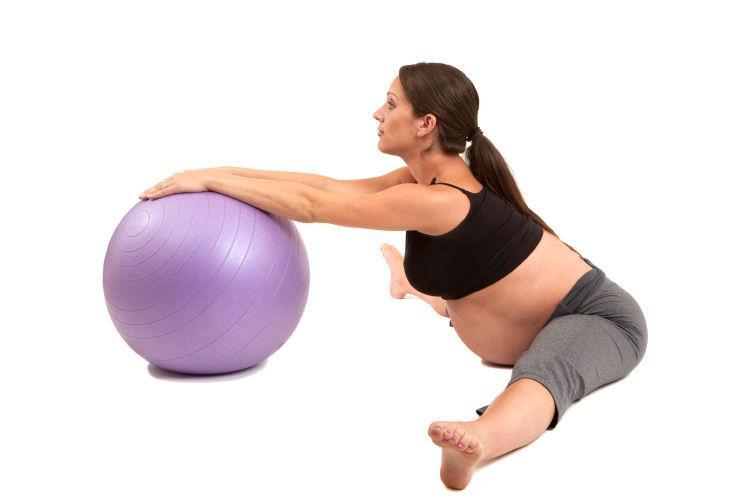 https://cf.ltkcdn.net/yoga/images/slide/122100-756x497-pwidelegforward.jpg