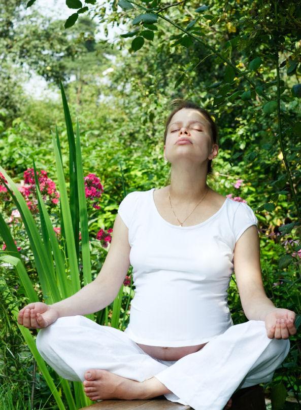 https://cf.ltkcdn.net/yoga/images/slide/122102-593x809-plotus.jpg