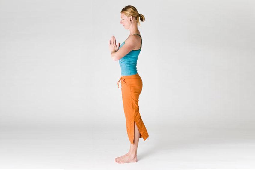 https://cf.ltkcdn.net/yoga/images/slide/181366-849x565-Mountain-Pose.jpg