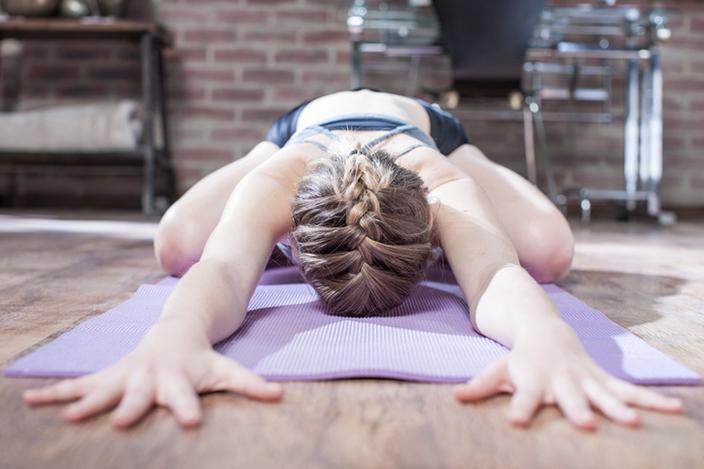 https://cf.ltkcdn.net/yoga/images/slide/225177-704x469-Childs-Pose.jpg