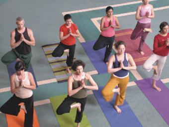 Kripalu_yoga_above_class.jpg