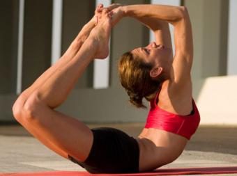 Bow Pose in Yoga: 6 Steps for Beginners & Advanced