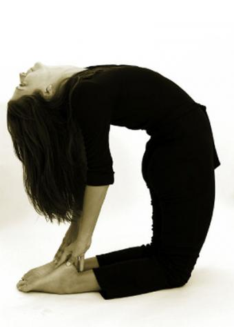 7 Camel Pose Steps to Ease Into It