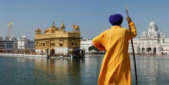 Yogi Bhajan Criticisms on his Attitudes & Influence