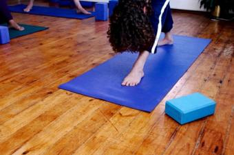 Iyengar Yoga for Beginners: 6 Poses to Start With