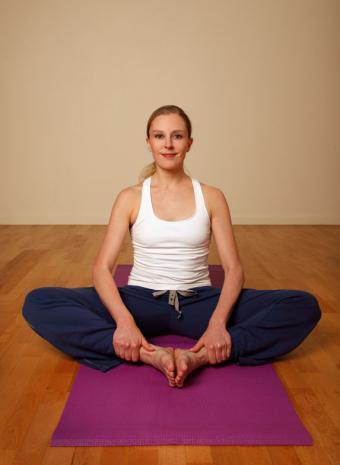 https://cf.ltkcdn.net/yoga/images/slide/121959-573x784-Bound-Ankle-Pose.jpg