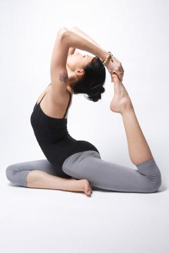 https://cf.ltkcdn.net/yoga/images/slide/121961-567x850-One-Legged-King-Pigeon-Pose.jpg