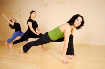 https://cf.ltkcdn.net/yoga/images/slide/121979-800x530-Single-Leg-Stretch.jpg