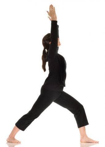 https://cf.ltkcdn.net/yoga/images/slide/121983-608x850-Warrior-I-Pose.jpg