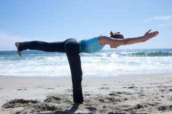 https://cf.ltkcdn.net/yoga/images/slide/121998-800x532-Warrior-III.jpg