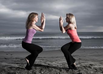 https://cf.ltkcdn.net/yoga/images/slide/122009-800x573-Eagle-Pose-double.jpg