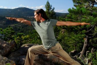 https://cf.ltkcdn.net/yoga/images/slide/122012-800x536-Warrior-II.jpg