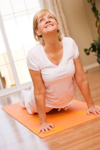 https://cf.ltkcdn.net/yoga/images/slide/122121-566x848-updog.jpg