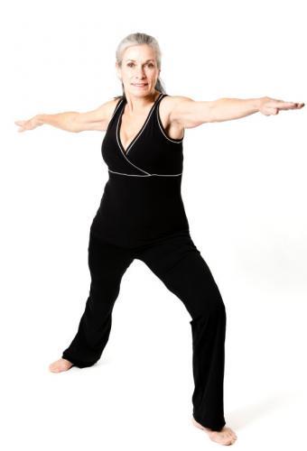 https://cf.ltkcdn.net/yoga/images/slide/122123-561x825-warrior.jpg