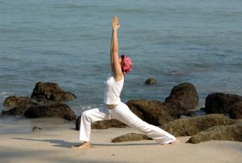 https://cf.ltkcdn.net/yoga/images/slide/149565-844x569-warrior-1.jpg