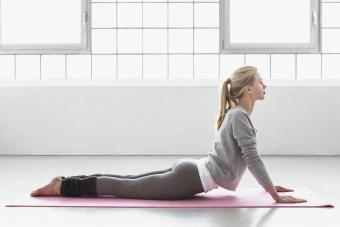 6 Yin Yoga Poses (and the Benefits)