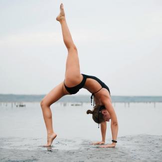 Woman standing single leg